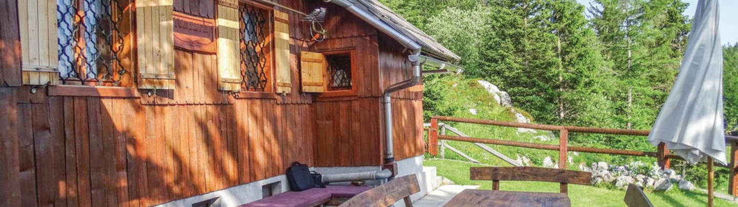 Slovenka - hut with a smile